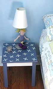 Daisy Swirl Table